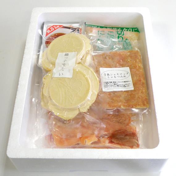 八戸せんべい汁専用の鍋用せんべいがシャモロックの出汁を吸い込んで美味い