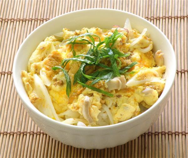 いちご煮丼はいちご煮スープで簡単に作る事が出来ます。